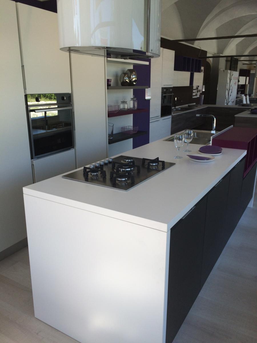 Cucina mod essenza lube cucine cucina for Outlet cucine trento