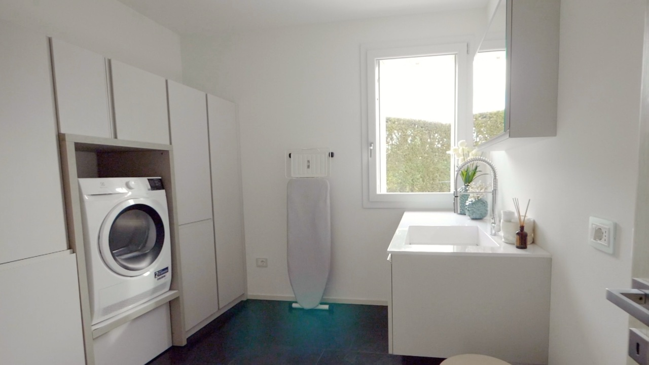 stanza lavanderia e stiro
